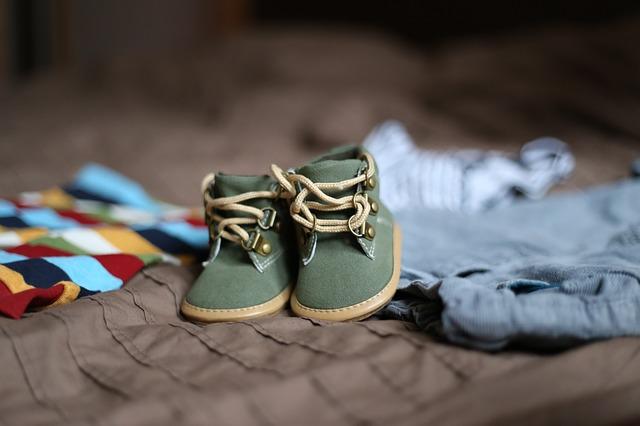 Jak wybrać pierwsze buciki dla dziecka – co jest ważne?