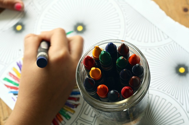 Dziecko rysuje