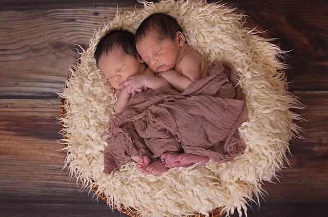 Niemowlęta bliźniaki
