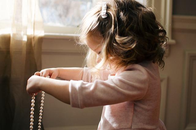 Jak nauczyć dziecko pomagania w domu?